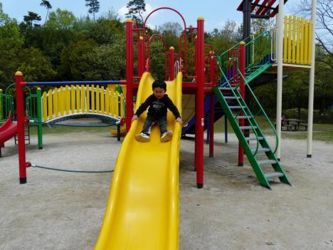 胡麻近隣公園 遊具施設 すべり台 その2