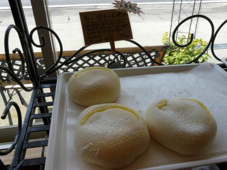 豊栄町のRural boulanger(リュラル ブーランジェ) 白いクリームパン