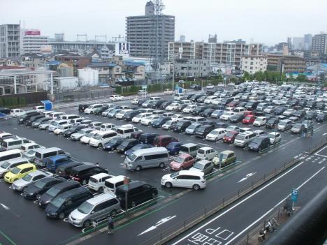 広島府中ソレイユ駐車場風景
