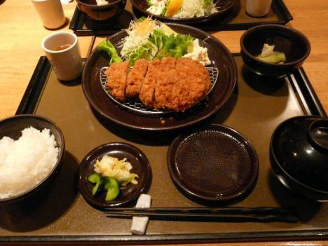 プロフェッショナル・ポークレストラン ケンボロー ロースカツ(L) 1600円