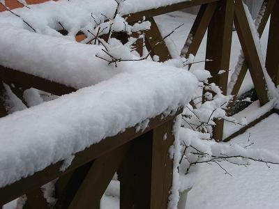 デッキにも雪