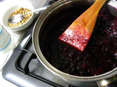 ブルーベリージャム作り・煮詰める
