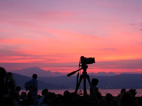 諏訪湖の花火大会・夕暮れ時