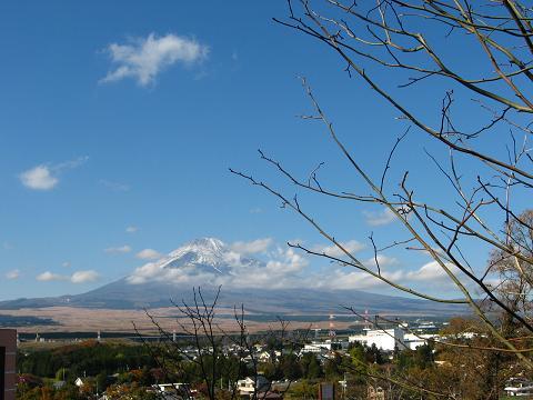 薄化粧の富士山
