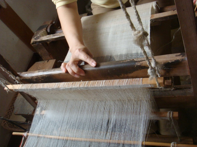 古い織り機