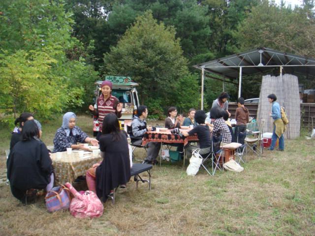 梅林と茶畑の中でランチ