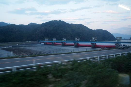 20091017_yonesaka_line-01.jpg