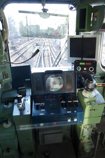 20091018_tokyo_metro_5000-cab01.jpg