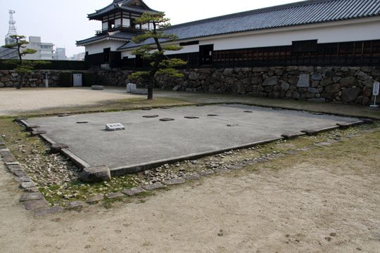 20100111_hiroshima_castle-14.jpg