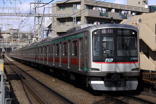20100206_tokyu_5000_2g-04.jpg