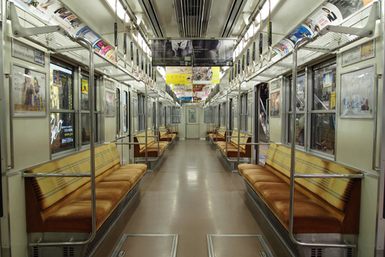 20100418_osaka_subway_10-in01.jpg