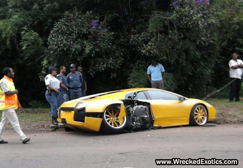 Ferrari-Lamborghini-Wedding-Crashers-1.jpg