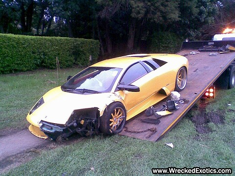 Ferrari-Lamborghini-Wedding-Crashers-3.jpg
