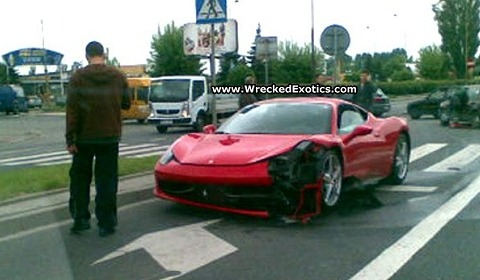 car_crash_ferrari_458_italia_in_poland.jpg