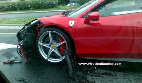 car_crash_ferrari_458_italia_in_poland_01.jpg