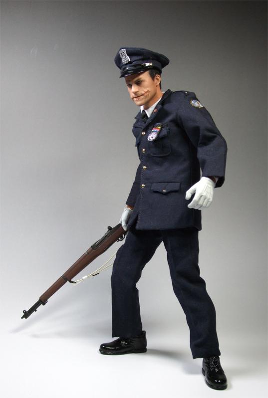 警官ジョーカー1