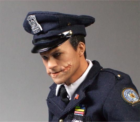 警官ジョーカーアップ1