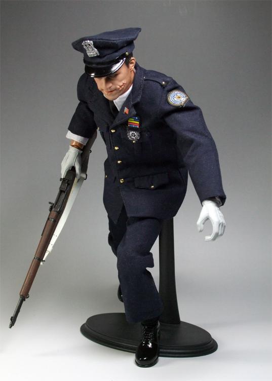 警官ジョーカー逃走