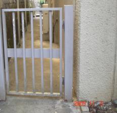 塗装工事前門扉