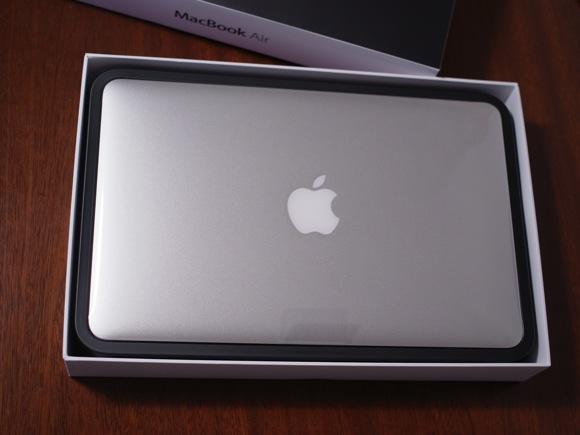 macbookair112.jpg