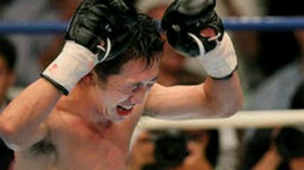内藤が復帰戦KO勝ち