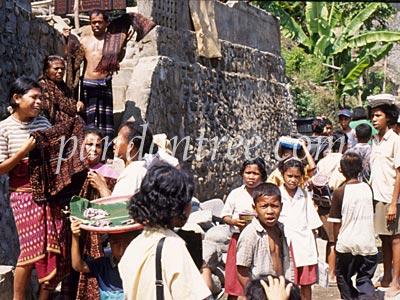 インドネシアの織物づくりの村2