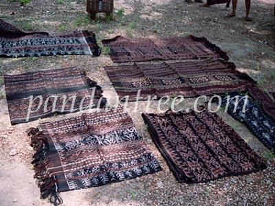 インドネシアの織物づくりの村3