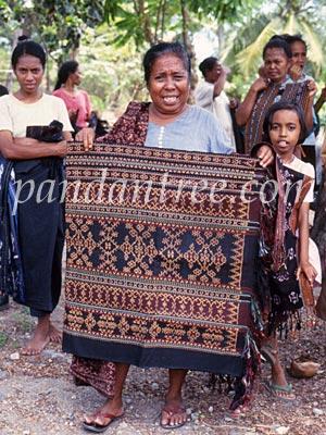 インドネシアの織物づくりの村4