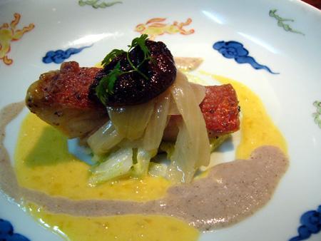 金目鯛のポワレ 椎茸とバターソース