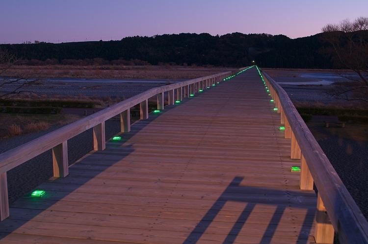 冬の蓬莱橋