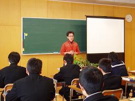 呉羽中学校へ行ってきました