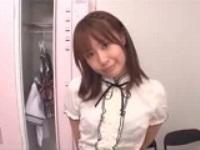 女子更衣室で下着を物色していたら可愛い先生に見つかり・・・