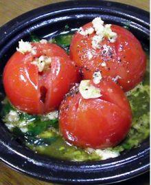 完熟トマトと潰したオリーブで。圧力なべで5分。。。美味しく温野菜サラダが!