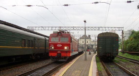 現在のシベリア鉄道 ウラジオ⇔ハバロフスクの寝台急行オケアン号。シベリアと一口にいえども、あまりに広く、遠い。